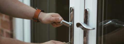 24 HOUR PROFESSIONAL LOCKSMITH SERVICES